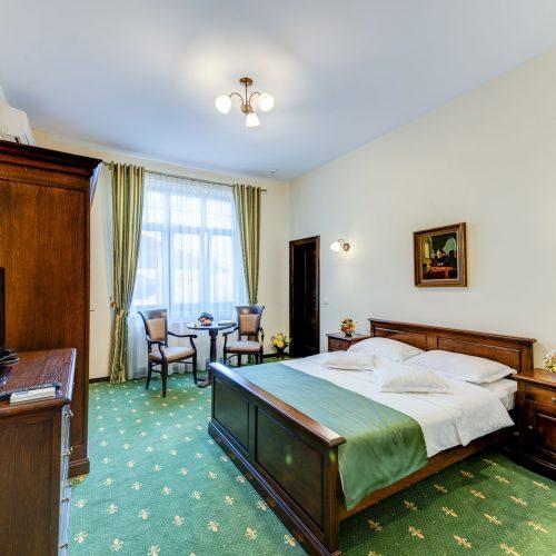 _aib3568_69_70_71_72_interiorroom